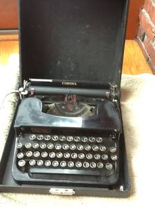 Antique Corona Sterling Typewriter- 1939 (Waban)