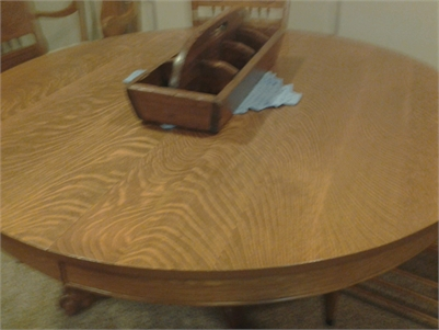 Round Pedestal Quarter Sawn Oak Dining Room Table