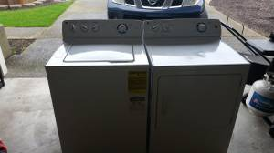 GE GTW180SCJ0WW washer and dryer (Vancouver)