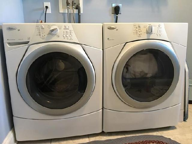 Whirlpool Duet Front Loader Washer/Dryer Combo