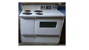 Vintage Electric Stove GE Beautiful and Fully Functional (Vicksburg, MS)