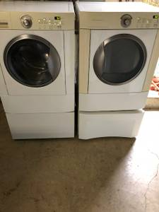 For sale Frigidaire front load washer and electric dryer (Se PDX)