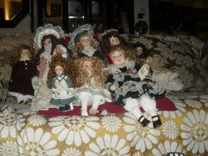 COLLECTION OF GORGEOUS PORCELAIN DOLLS ! (Granada Hills)