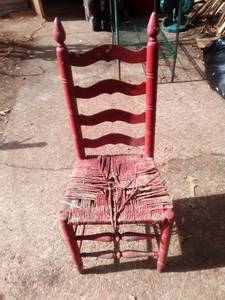 Antique Wooden chair (Berclair)