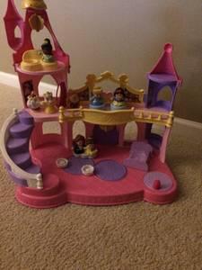 Little People Princess Castle w/extras (Apex)