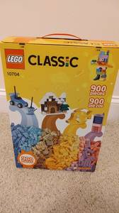 New in box Lego 900-piece creative set 10704 (West Cary)