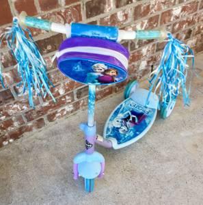 Disney Frozen kids scooter ready to ride (Wylie / E Plano)