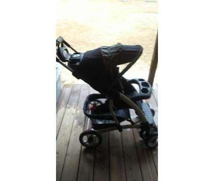 Graco Stroller w/ Comfort Tracker