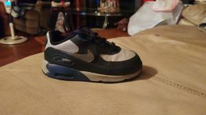 Size 8 toddlers Nike airmax, brand new (Deville,la)