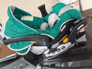Chicco keyfit 30 car seat (Miami)