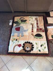 Lambs and Ivy crib bedding
