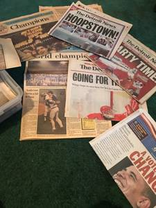 Vintage Newspapers /sports Detroit (Romulus)