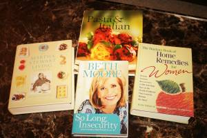Set of 4 Women's Books - Home Remedies/ Recipes/ Self Help (Pataskala)