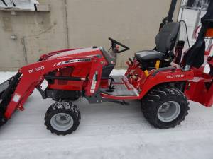 Massey Ferguson GC1720 tractor loader backhoe (Chazy)