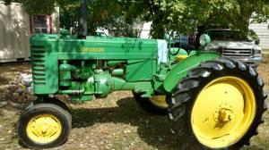 MT Deere John Tractor (Muscoda)