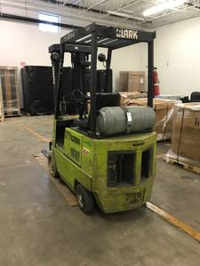 Clarke lift truck