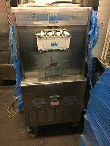 ice Cream Machine (ice cream machine)