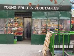 Fruits, vegetables grocery market (3960 whiteplains rd)