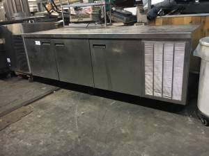 8 ft low boy refrigerator (Restaurant equipment)