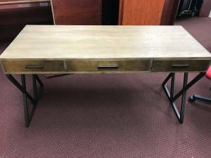 Really Nice Modern Desk - Brand New - Reduced Price!! (Marietta)