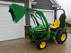 SellingOwner2OO3 John Deere 4x4 Tractor - $1500
