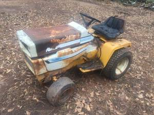 Cub cadet 1650 automatic garden tractor (needs work) (Griffin Ga)