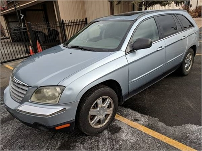 2006 Chrysler Pacifica Touring-3rd Row DVD - $3500 (E. Peoria)