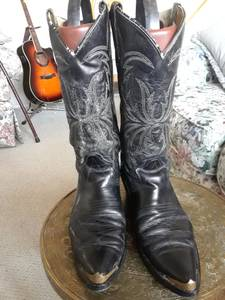 Vintage Black Leather Cowboy Boots (Twin Falls)