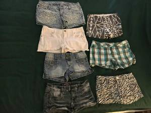 7 pair of Shorts, size 9 (Oaks)
