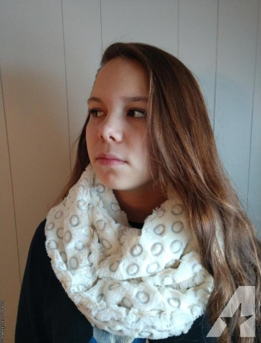 Fur-infinity-with-circle-design-scarf
