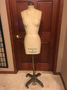Professional Mannequin, Dress Form, Size 6 (East Harlem)