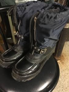 Woman's Snowmobile Boots (Menomonee Falls)