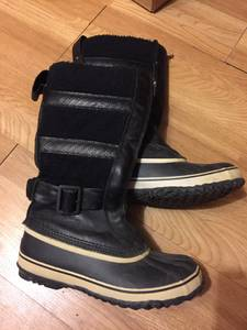 Size 8 Women's Sorel Waterproof Winter Boots (Valley)