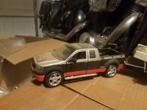 1:24 scale die cast Harley Davidson Ford and trailer & two race bikes (N FORT