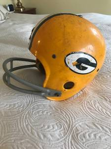 Packer helmet (Mequon)