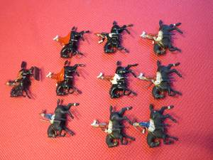 10 assorted Britains to soldiers on horseback (PAWLET, VERMONT)