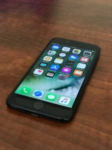 IPHONE 7 - T-MOBILE - 32 GB LIKE NEW (falls church)