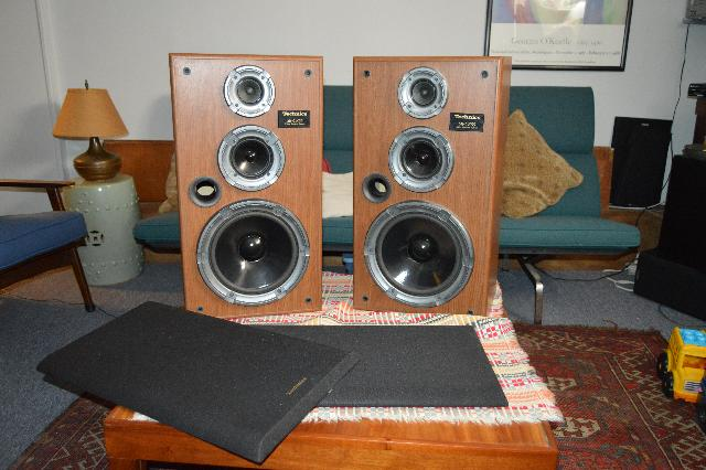 Technics Model Sb-Cr55 Speakers
