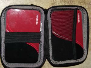 Toshiba (2) hard drives 1-400gb and 1 -500gb (ftl)