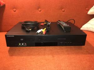 Samsung DVD-V9800 Tunerless 1080p Upconverting VHS Combo DVD Player (charleston)