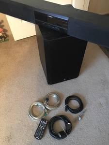 Yamaha Sound system tv sound bar & base (Cosby)
