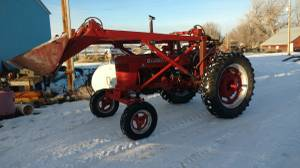 IH tractor and loader (Thermopolis)