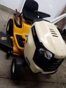 Cub Cadet (low hrs) (new castle pa)