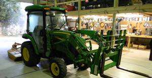 2013 John Deere Model 3520 Utility tractor with CX300 Loader