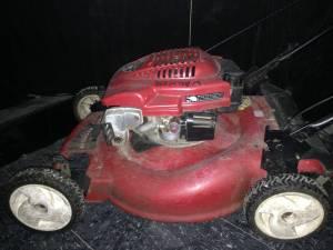 Toro 6.5 hp self pace lawn mowet