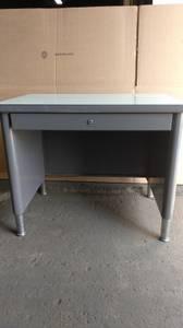 Retro Steelcase small metal desk (Plymouth)