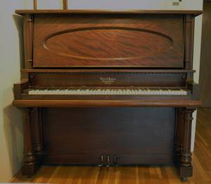 Upright Cabinet Grand Piano (Clark County)