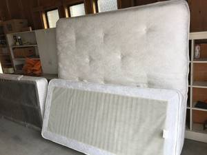King size bed for sale (South Ogden)