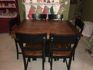 Dining Table with 6 Chairs (Olive Branch)