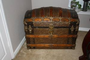 Old Barrel Top Trunk (Decatur)